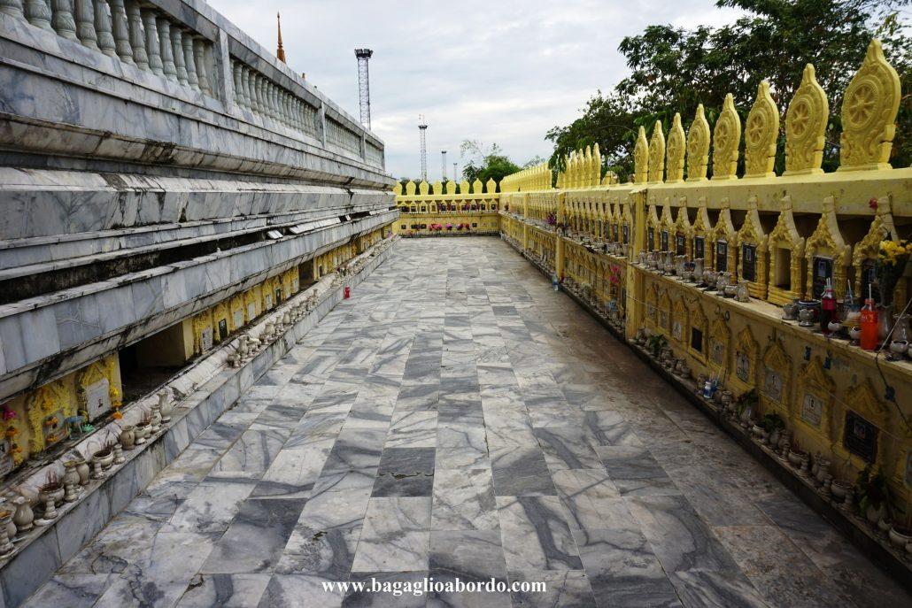 luogo di silenzio e di culto in un tempio buddista