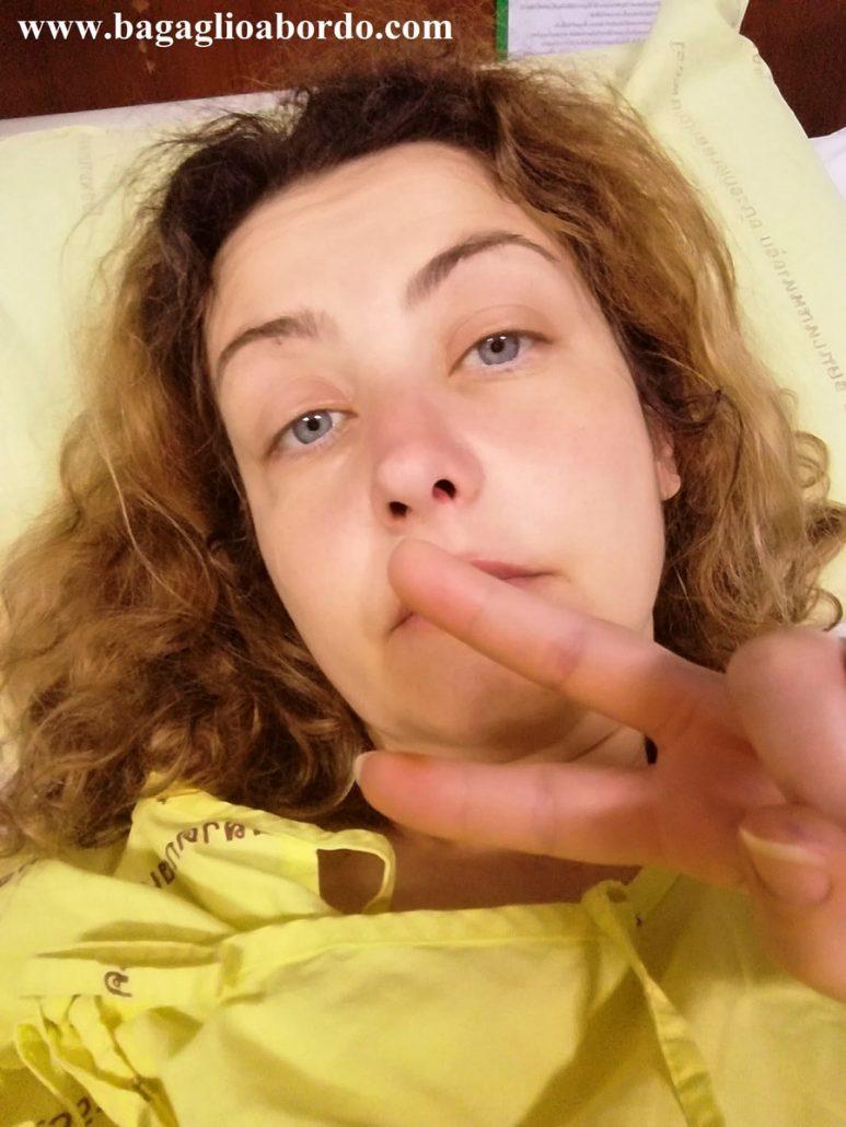io durante il ricovero in un ospedale thailandese